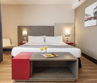 Accessible room hotel ilunion barcelona