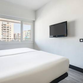 SUPERIOR PREMIUM ROOM ILUNION ROMAREDA