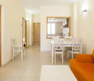 Two bedroom apartment with garden access aparthotel ilunion  sancti petri cádiz