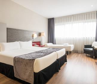 Triple room hotel ilunion barcelona