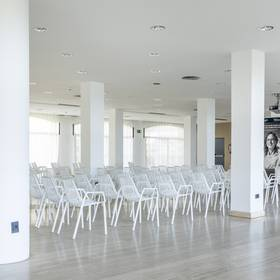 Meeting room hotel ilunion islantilla huelva