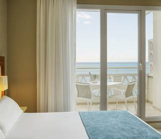Superior room with sea views hotel ilunion fuengirola