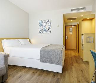 Corporate single room hotel ilunion valencia 4