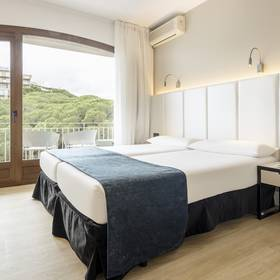 Standard Room with Sea views ILUNION Caleta Park