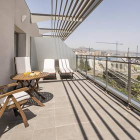 Terrace junior suite ilunion mÁlaga hotel ilunion málaga