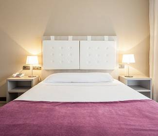 Disabled accessible room hotel ilunion golf badajoz