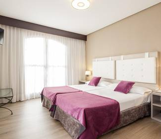 Triple room hotel ilunion golf badajoz