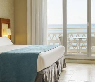 Double room with sea views hotel ilunion fuengirola