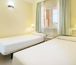 Disabled accessible room aparthotel ilunion  sancti petri cádiz