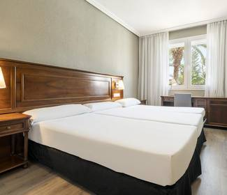 Double room + extra bed hotel ilunion las lomas mérida