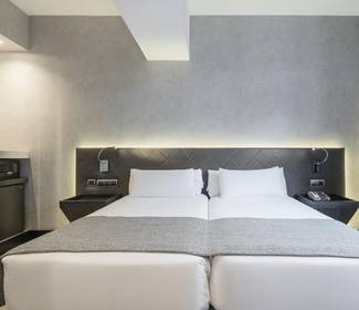 Disabled accessible room hotel ilunion bel art barcelona
