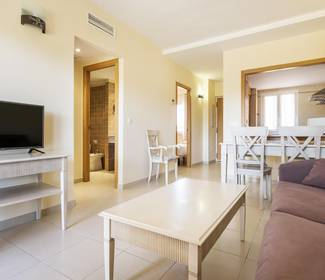 2 bedroom apartments aparthotel ilunion  sancti petri cádiz