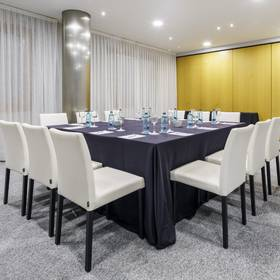 Meeting room hotel ilunion bilbao
